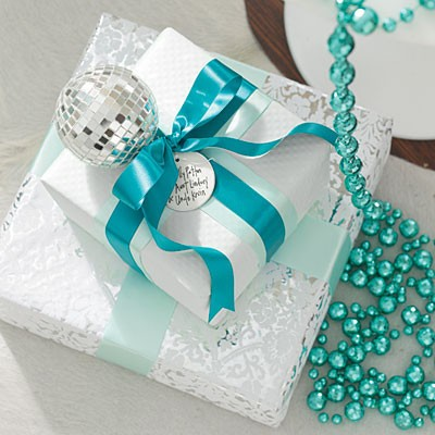 blue-white-gifts-l.jpg