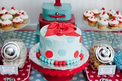red+and+blue+birthday+cake.jpg