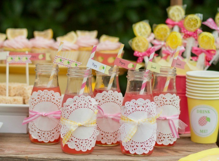 Pink-Lemonade-Drinks-with-Dollies_Giggle